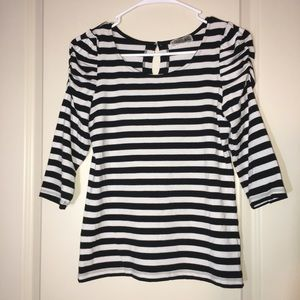 Tops - Stripe 3/4 skeeve roundneck top